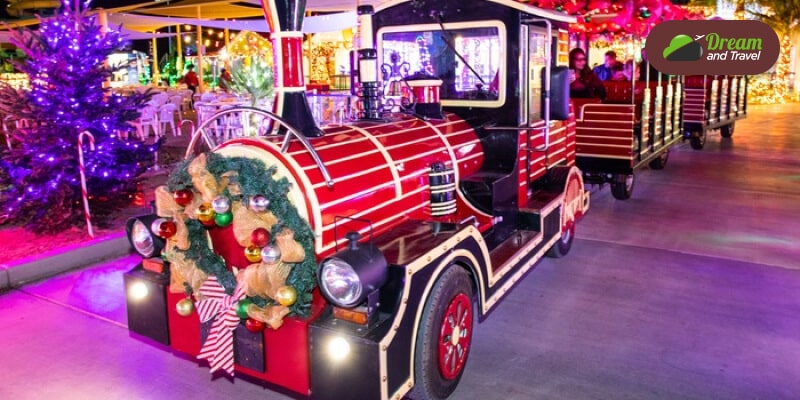 las vegas speedway christmas lighting